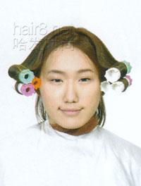 短中v时尚[三]_哈发时尚黑白齐刘海资讯小女孩表情包图片
