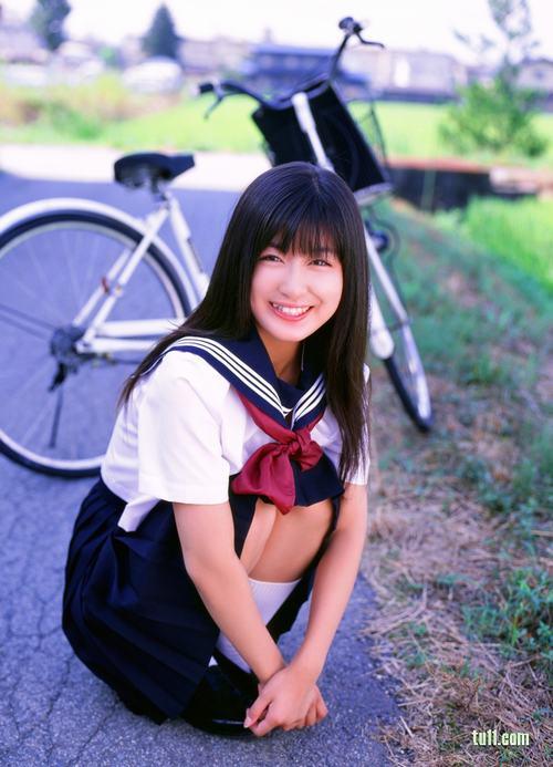 日本清纯美女水泽奈子 哈发时尚